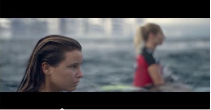 Er is voor alles een eerste keer in spetterende Samsung Galaxy commercial