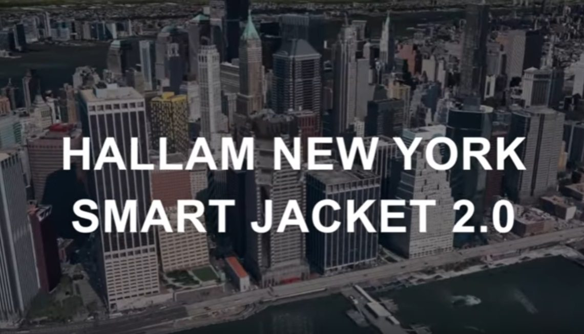 Nu eindelijk de jas waar smartphonegebruikers zo lang op moesten wachten